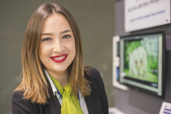 MWC-hostess-primer-plano