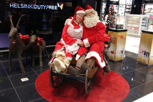 Mascot Helsinki - Christmas Helsinki Airport